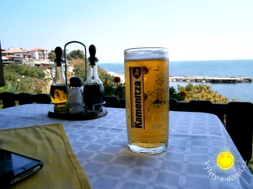 Pivo v restauraci v Nesebaru