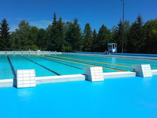 Aquapark Příbram - pohled na venkovní bazén