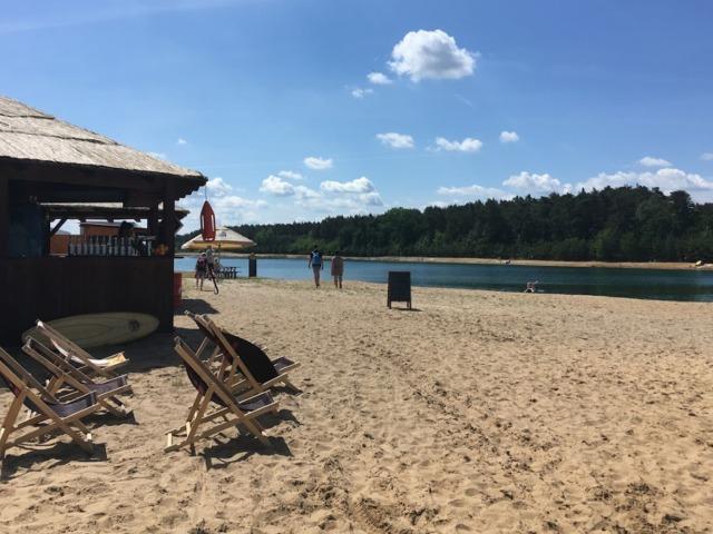 Jezero Konětopy - lehátka pro relax a opalování