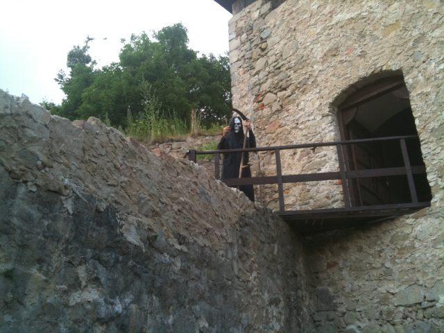 Smrtka při strašidelné prohlídce hradu Lukova