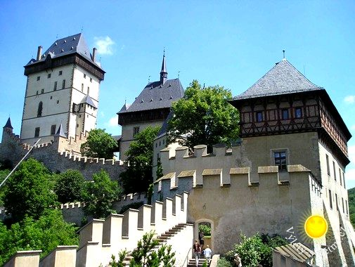 Na hrad Karlštejn už od února