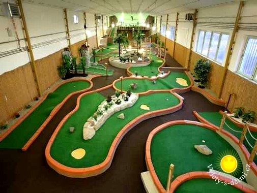 Velcí hrají golf, ti malí minigolf