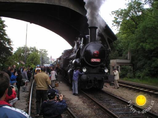 Parním vlakem na Křivoklát